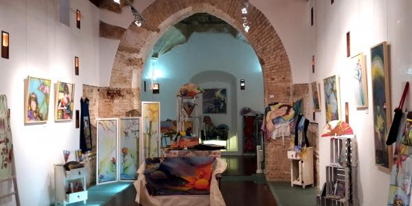 Muestra de Sedas Pintadas en la Capilla de San Cristóbal de Lepe (Huelva)